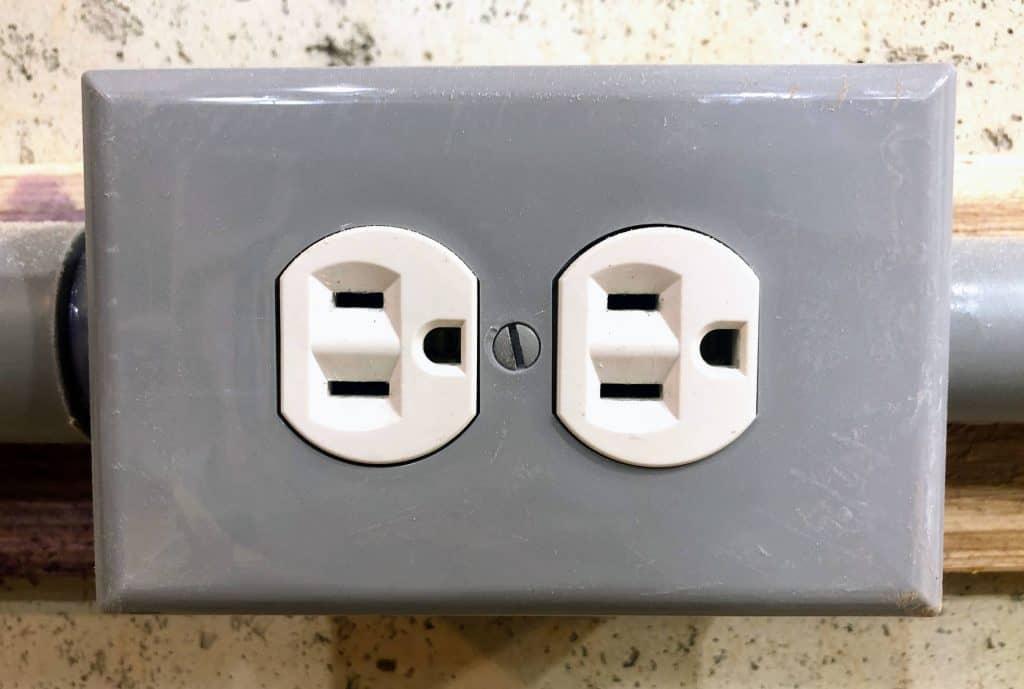 15 Amp Outlet
