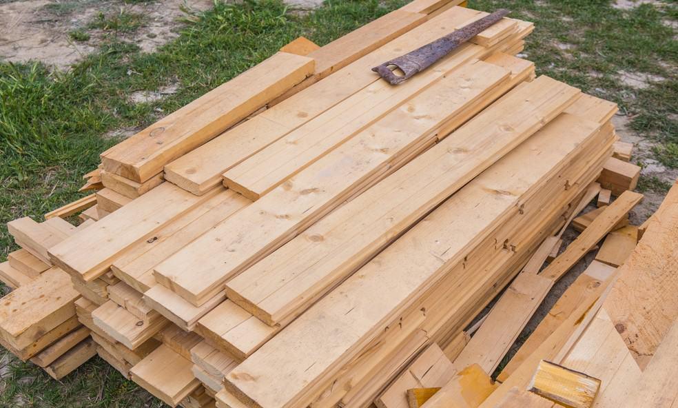 Storing Lumber Outside